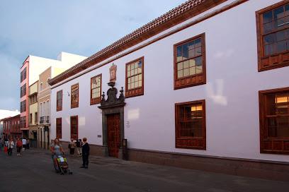 Notaría Ana María Álvarez Lavers